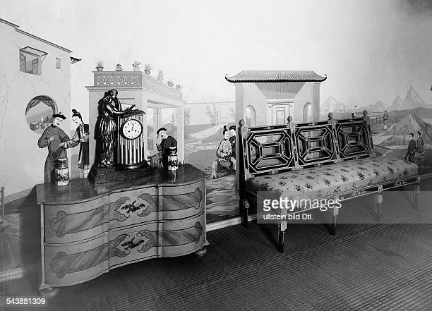 furniture in a vestibule with a commode Photographer Zander Labisch Published by 'Die Dame' 13/1929Vintage property of ullstein bild