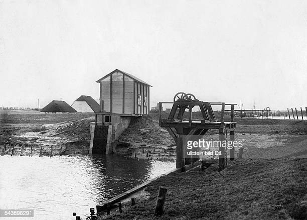 German Empire Kingdom Prussia SchleswigHolstein Provinz Husum The first electronic tidal power station Photographer Published by 'Berliner Abendpost'...