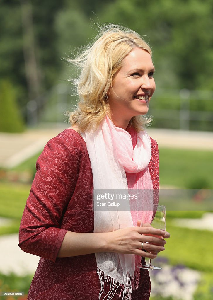 German Family Minister Manuela Schwesig arrives for a meeting of the government cabinet at Schloss Meseberg palace on May 24, 2016 near Gransee, Germany. The government cabinet is meeting at Schloss Meseberg for a two-day retreat.