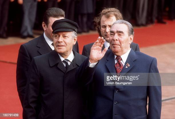 GERMANY BONN German Federal Chancellor Helmut SCHMIDT and Leonid Ilyich BREZHNEV General Secretary of the Communist Party of the Soviet Union and...