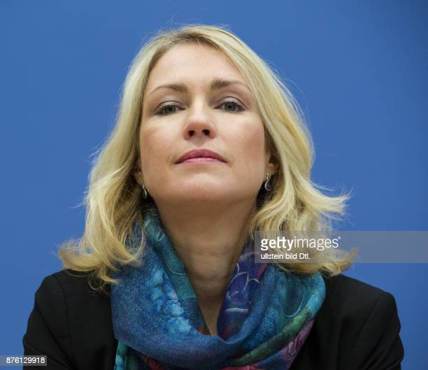German Federal Minister for Youth and Family Minister Manuela Schwesig presents in collaboration with the research group led by Mathias_Albert the...