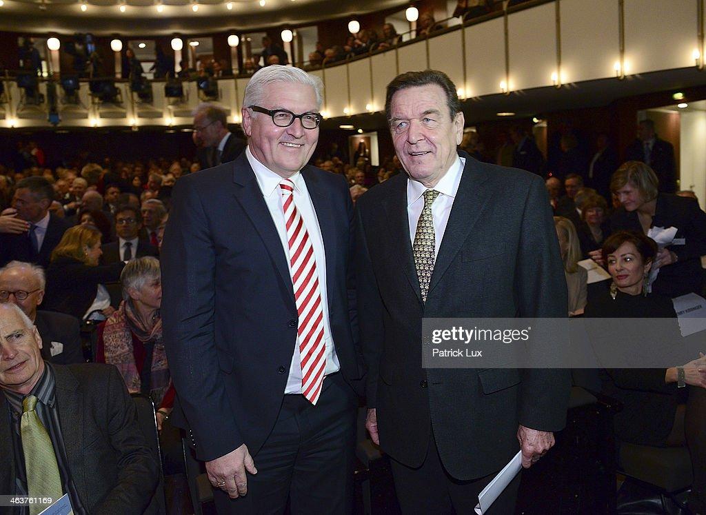 German Foreign Minister FrankWalter Steinmeier and former German chancellor Gerhard Schroeder at a celebration hosted by Die Zeit newspaper on the...