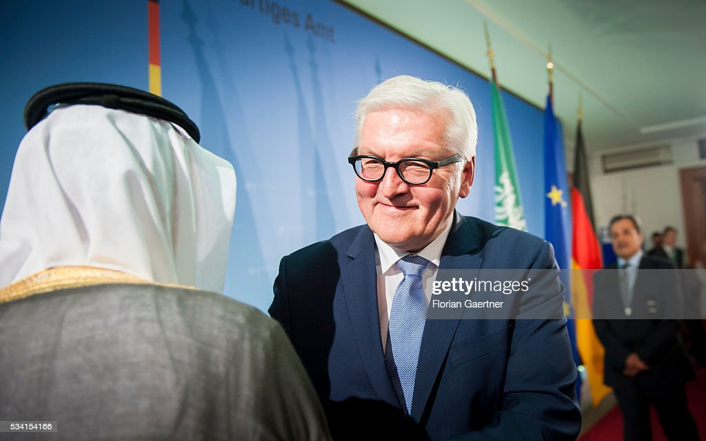German Foreign Minister Frank-Walter Steinmeier (R) and the Foreign Minister of Saudi-Arabia Adel al-Dschubeir (L) speak to the media on May 25, 2016 in Berlin, Germany. The pair met for political talks.