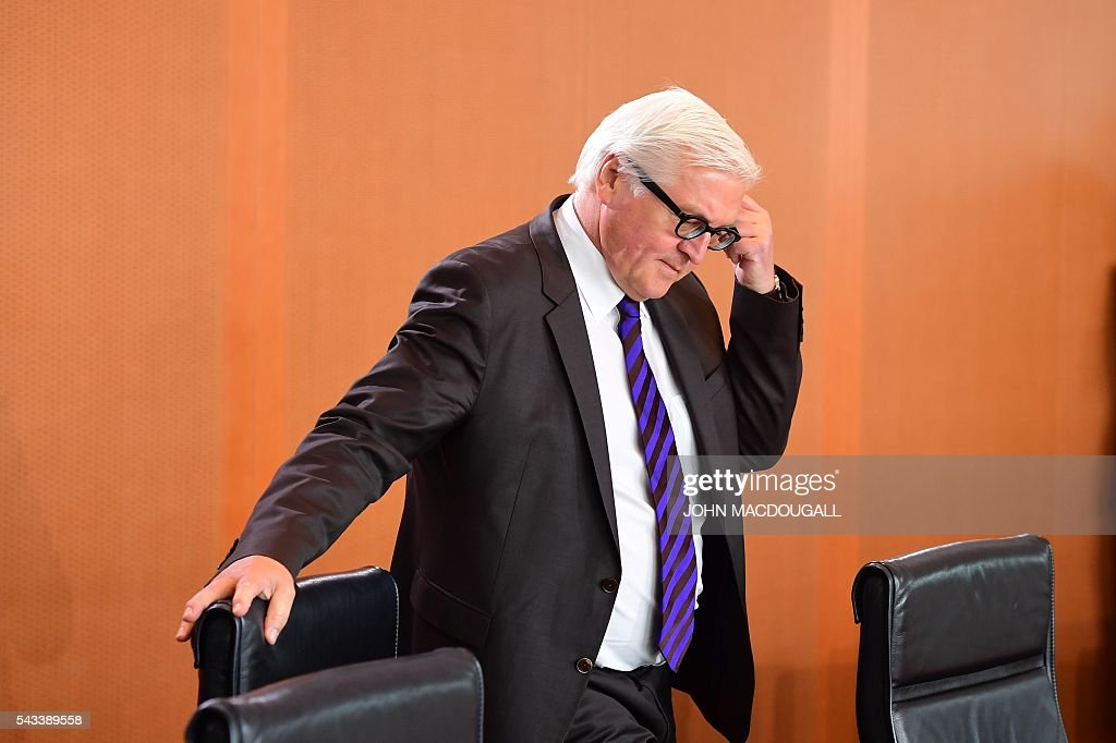German Foreign Minister Frank-Walter Steinmeier arrives at a cabinet meeting at the chancellery in Berlin on June 28, 2016. / AFP / John MACDOUGALL