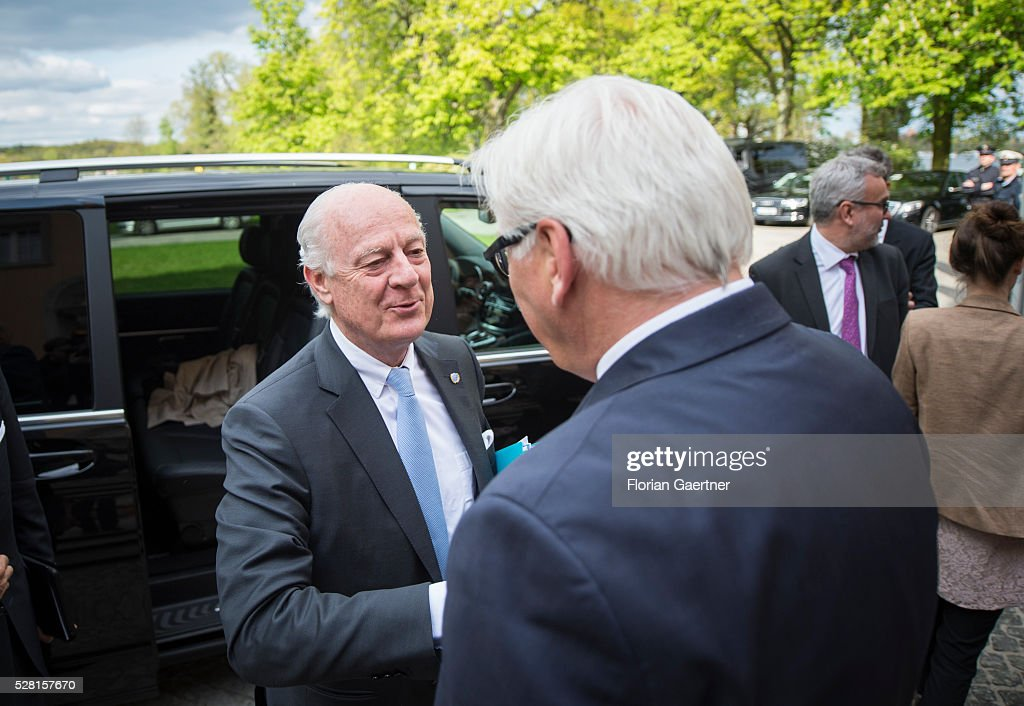 German Foreign Minister Frank-Walter Steinmeier (R) meets Staffan de Mistura (L), United Nations special envoy for the Syria crisis, as a part of the meeting with the Syrian representative of the opposition Riad Hijab (not pictured) on May 04, 2016 in Berlin, Germany. Theymet for conversations about the civil war in Syria.
