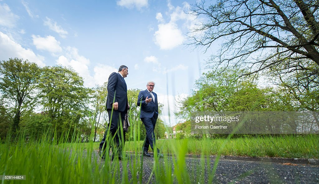 German Foreign Minister <a gi-track='captionPersonalityLinkClicked' href=/galleries/search?phrase=Frank-Walter+Steinmeier&family=editorial&specificpeople=603500 ng-click='$event.stopPropagation()'>Frank-Walter Steinmeier</a> (R) meets the syrian representative of the opposition <a gi-track='captionPersonalityLinkClicked' href=/galleries/search?phrase=Riad+Hijab&family=editorial&specificpeople=9454149 ng-click='$event.stopPropagation()'>Riad Hijab</a> (L) on May 04, 2016 in Berlin, Germany. They get together for conversations about the civil war in Syria.