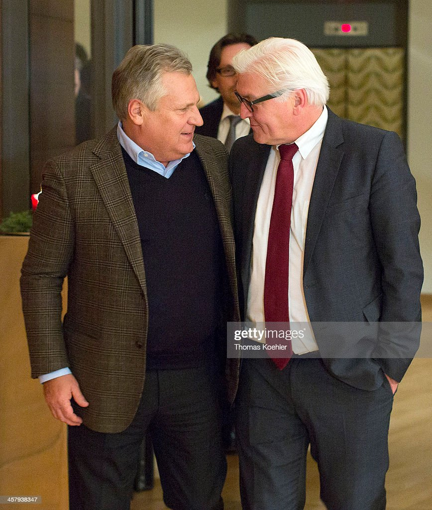 German Foreign Minister <a gi-track='captionPersonalityLinkClicked' href=/galleries/search?phrase=Frank-Walter+Steinmeier&family=editorial&specificpeople=603500 ng-click='$event.stopPropagation()'>Frank-Walter Steinmeier</a> (R) meets with former Polish President <a gi-track='captionPersonalityLinkClicked' href=/galleries/search?phrase=Aleksander+Kwasniewski&family=editorial&specificpeople=171152 ng-click='$event.stopPropagation()'>Aleksander Kwasniewski</a> on December 19, 2013 in Warsaw, Poland. Steinmeier is on a one-day trip to Poland.