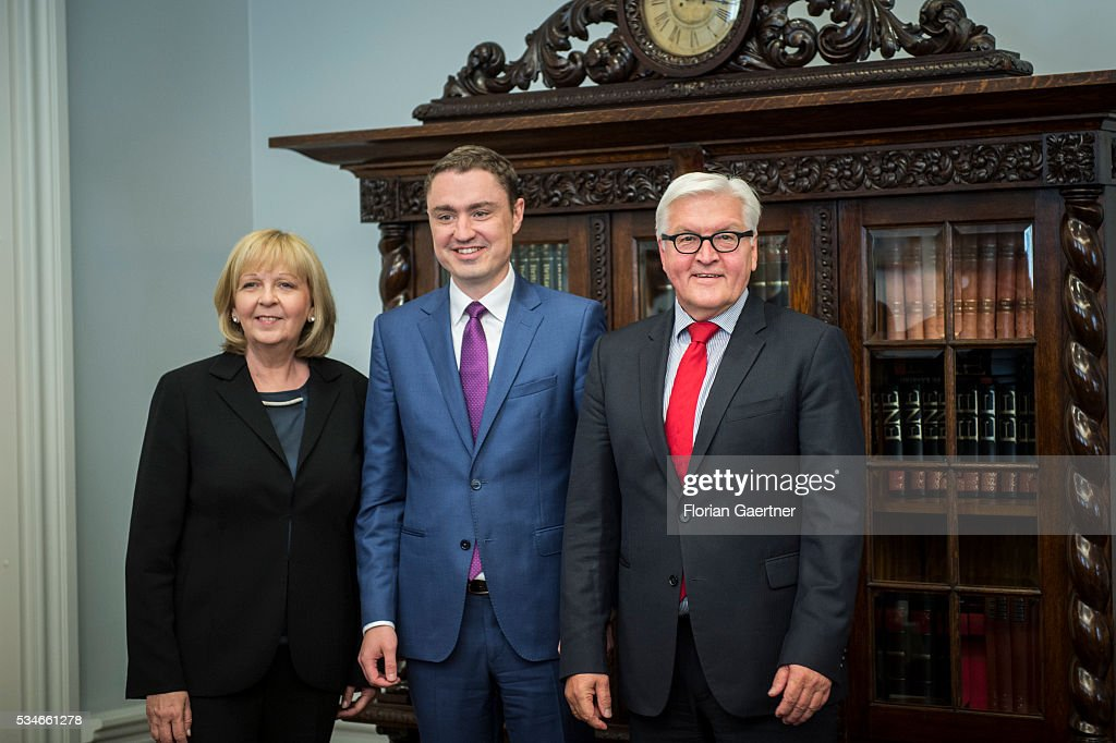 German Foreign Minister <a gi-track='captionPersonalityLinkClicked' href=/galleries/search?phrase=Frank-Walter+Steinmeier&family=editorial&specificpeople=603500 ng-click='$event.stopPropagation()'>Frank-Walter Steinmeier</a> (R) poses for photo together with Prime Minister of Estonia, Taavi Roivas (Center) and <a gi-track='captionPersonalityLinkClicked' href=/galleries/search?phrase=Hannelore+Kraft&family=editorial&specificpeople=4643983 ng-click='$event.stopPropagation()'>Hannelore Kraft</a>, SPD, prime minister of the German state of North Rhine-Westphalia on May 27, 2016 in Tallinn, Estonia. Steinmeier traveled to Lithuania, Latvia and Estonia for political conversations.