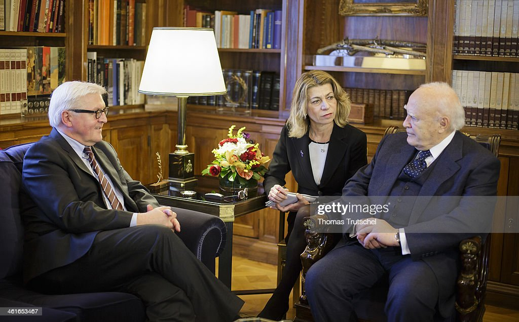 German Foreign Minister Frank-Walter Steinmeier (L) speaks to Greek President, Karolos Papoulias on January 10, 2014 in Athens, Greece. Steinmeier is on a two daytrip to Greece to hold political talks with members of Greek Gouvernment.