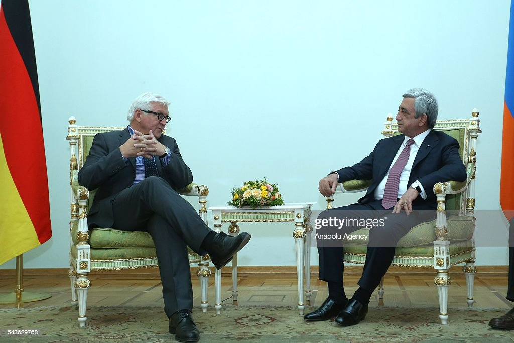German Foreign Minister Frank-Walter Steinmeier, who currently chairs the Organisation for Security and Cooperation in Europe (OSCE) (L) and Armenian Foreign Minister Edward Nalbandian (R) attend a meeting in Yerevan on June 29, 2016