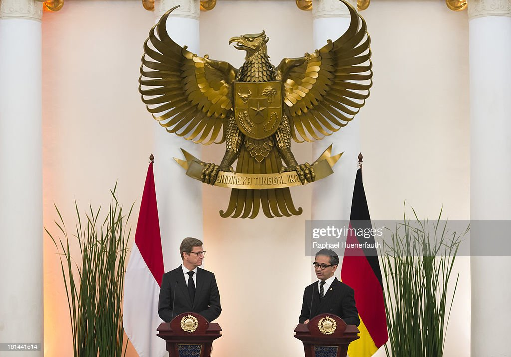 German Foreign Minister <a gi-track='captionPersonalityLinkClicked' href=/galleries/search?phrase=Guido+Westerwelle&family=editorial&specificpeople=208748 ng-click='$event.stopPropagation()'>Guido Westerwelle</a> (L) and his indonesian counterpart <a gi-track='captionPersonalityLinkClicked' href=/galleries/search?phrase=Marty+Natalegawa&family=editorial&specificpeople=2862416 ng-click='$event.stopPropagation()'>Marty Natalegawa</a> give a press conference after holding talks at the foreign office on February 10, 2013 in Jakarta, Indonesia. Westerwelle is with a economic delegation on a southeast asia tour, Jakarta is the end of his tour.