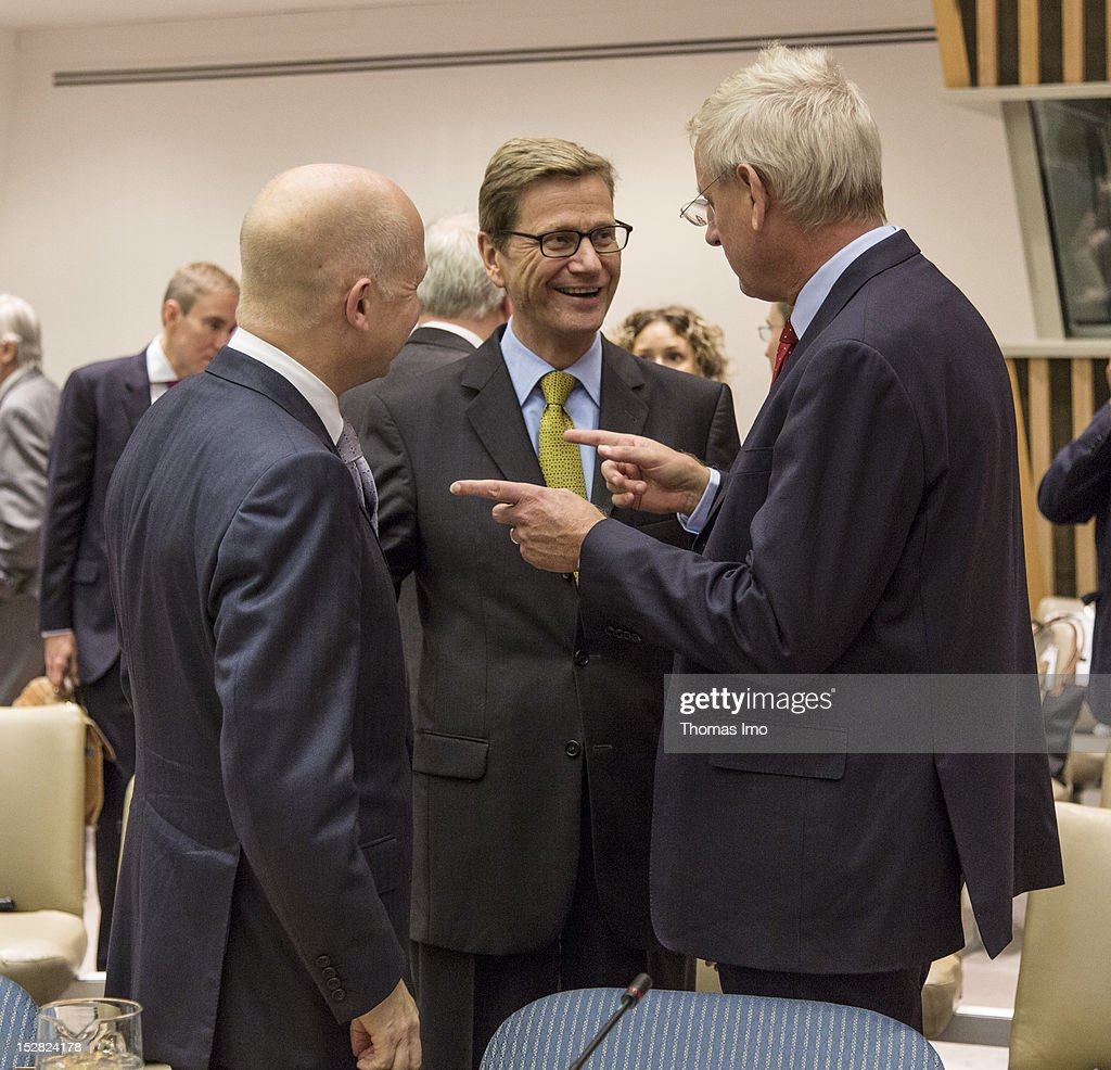 German Foreign Minister <a gi-track='captionPersonalityLinkClicked' href=/galleries/search?phrase=Guido+Westerwelle&family=editorial&specificpeople=208748 ng-click='$event.stopPropagation()'>Guido Westerwelle</a> (C), British Foreign Minister <a gi-track='captionPersonalityLinkClicked' href=/galleries/search?phrase=William+Hague&family=editorial&specificpeople=206295 ng-click='$event.stopPropagation()'>William Hague</a> (L) and Swedish Foreign Minister <a gi-track='captionPersonalityLinkClicked' href=/galleries/search?phrase=Carl+Bildt&family=editorial&specificpeople=3972090 ng-click='$event.stopPropagation()'>Carl Bildt</a> attend a meeting of UN Security Council on September 26, 2012 in New York City. The opening of the 67th assembly session is on Tuesday, September 25, and is to be attended by 123 Presidents and Prime Ministers and scores of Foreign Ministers.