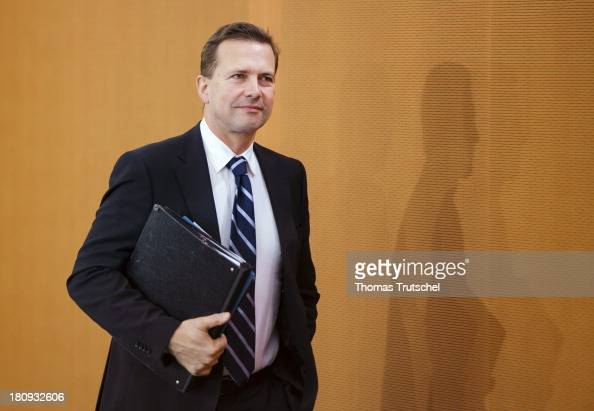 German government spokesman Steffen Seibert arrives for the weekly German government cabinet meeting on September 18 2013 in Berlin Germany Today's...