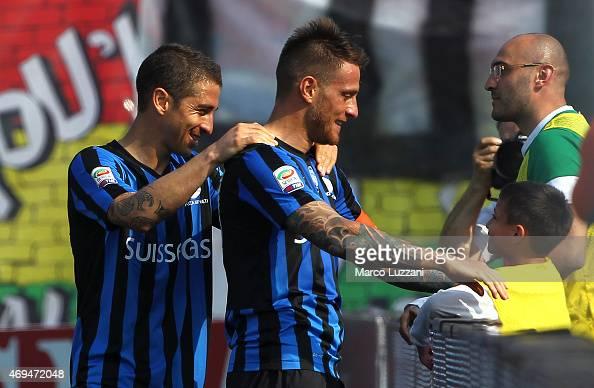German Gustavo Denis of Atalanta BC celebrates his goal with his son during the Serie A match between Atalanta BC and US Sassuolo Calcio at Stadio...