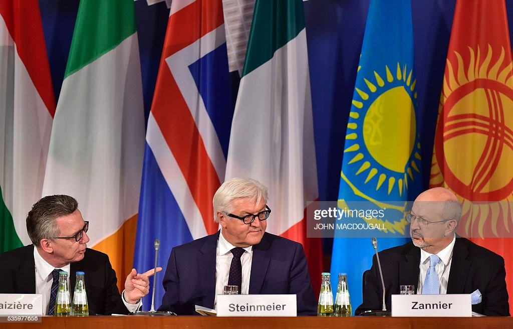 German Interior Minister Thomas de Maiziere, German Foreign Minister Frank-Walter Steinmeier, and OSCE Secretary General Lamberto Zannier attend the opening session of the two-day Counter-Terrorism Conference of the Organisation for Security and Cooperation in Europe (OSCE) at the foreign ministry in Berlin on May 31, 2016. / AFP / John MACDOUGALL