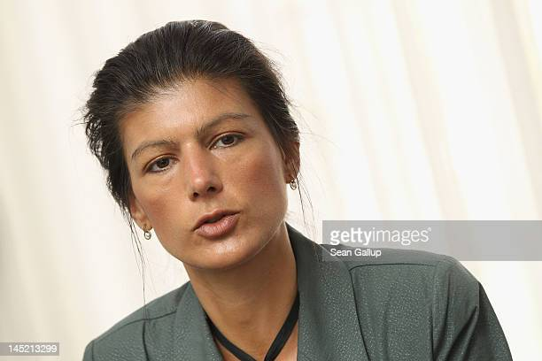 German leftwing politician Sahra Wagenknecht speaks to members of the Foreign Journalists' Association on May 24 2012 in Berlin Germany Wagenknecht...