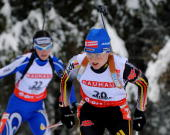 German Martina Glagow skis followed by Italian Michela Ponza during the women's World Cup biathlon 10 kms pursuit 19 January 2008 in Anterselva...