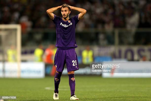 German Pezzella of ACF Fiorentina reacts during the Serie A match between ACF Fiorentina and UC Sampdoria at Stadio Artemio Franchi on August 27 2017...