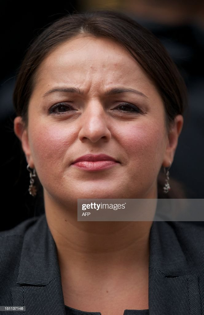 German politician of Turkish origin and a member of the Left Party (die Linkspartei), Sevim Dagdelen is photographed outside of the Ecuadorian Embassy in London on September 2, 2012. Dagdelen is at the embassy to hold a meeting with Australian Wikileaks founder Julian Assange who has claimed asylum in the Ecuadorian Embassy. AFP PHOTO / ANDREW COWIE