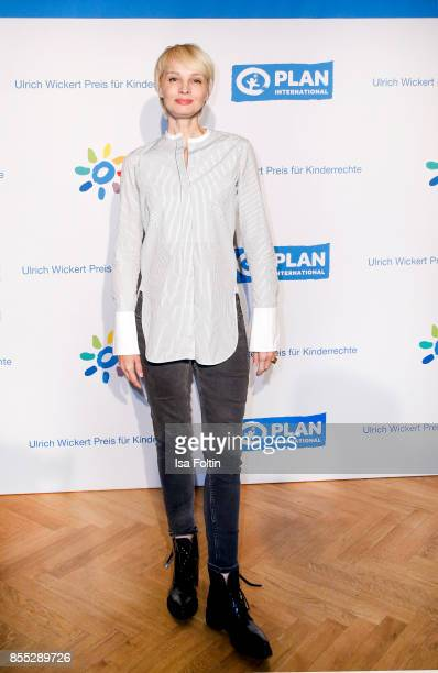 German presenter Susann Atwell attends the Ulrich Wickert Award For Children's Rights at Stadtbad Oderberger on September 28 2017 in Berlin Germany