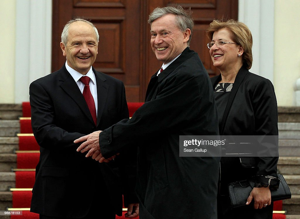 German President Horst Koehler (L) welcomes Kosovo President Fatmir Sejdiu and First Lady Nezafete Sejdiu at Bellevue Palace on May 6, 2010 in Berlin, Germany. Sejdiu is on an official visit to Germany.