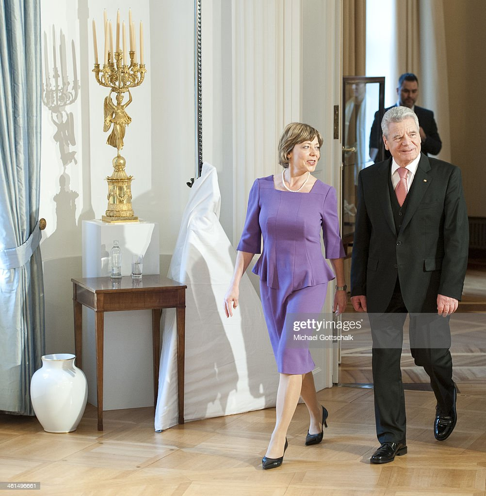 German President <a gi-track='captionPersonalityLinkClicked' href=/galleries/search?phrase=Joachim+Gauck&family=editorial&specificpeople=2077888 ng-click='$event.stopPropagation()'>Joachim Gauck</a> and his life partner <a gi-track='captionPersonalityLinkClicked' href=/galleries/search?phrase=Daniela+Schadt&family=editorial&specificpeople=7055235 ng-click='$event.stopPropagation()'>Daniela Schadt</a>, during the New Years Reception of German Bundespraesident <a gi-track='captionPersonalityLinkClicked' href=/galleries/search?phrase=Joachim+Gauck&family=editorial&specificpeople=2077888 ng-click='$event.stopPropagation()'>Joachim Gauck</a> on January 9, 2014 in Berlin, Germany.