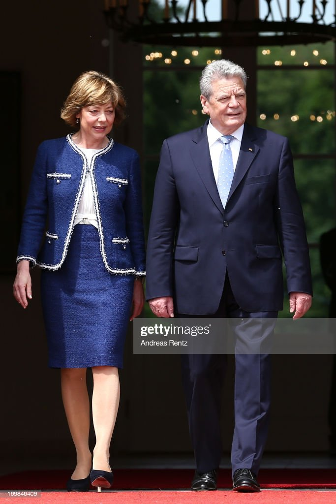 German president <a gi-track='captionPersonalityLinkClicked' href=/galleries/search?phrase=Joachim+Gauck&family=editorial&specificpeople=2077888 ng-click='$event.stopPropagation()'>Joachim Gauck</a> and his partner <a gi-track='captionPersonalityLinkClicked' href=/galleries/search?phrase=Daniela+Schadt&family=editorial&specificpeople=7055235 ng-click='$event.stopPropagation()'>Daniela Schadt</a> at Bellevue Palace on June 3, 2013 in Berlin, Germany.