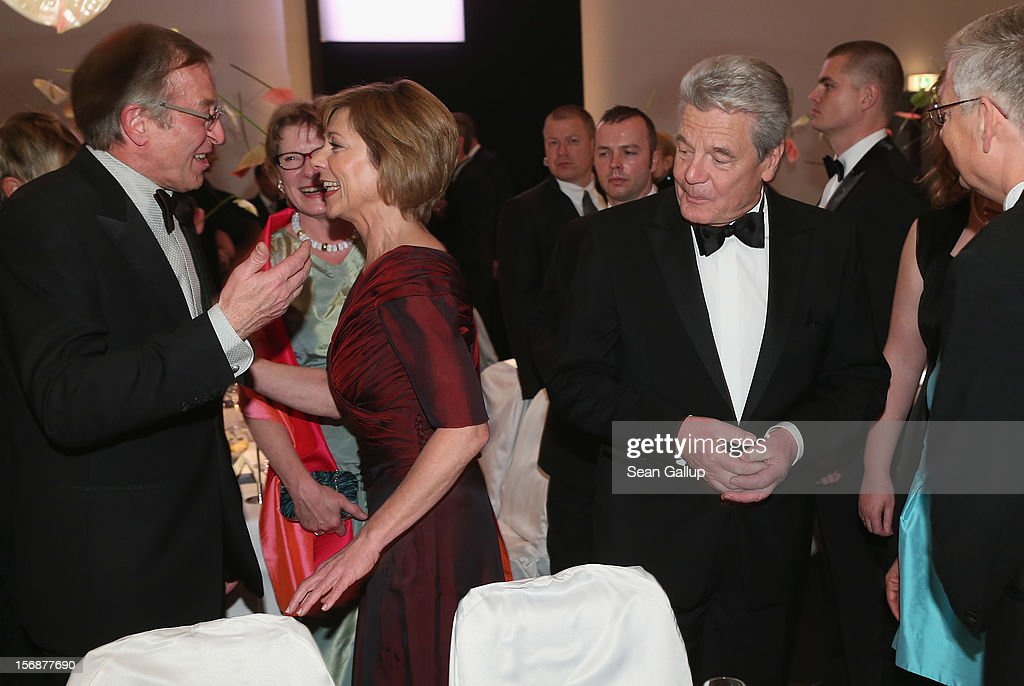 German President Joachim Gauck (R) and his partner Daniela Schadt attend the 2012 Bundespresseball (Federal Press Ball) at the Intercontinental Hotel on November 23, 2012 in Berlin, Germany.
