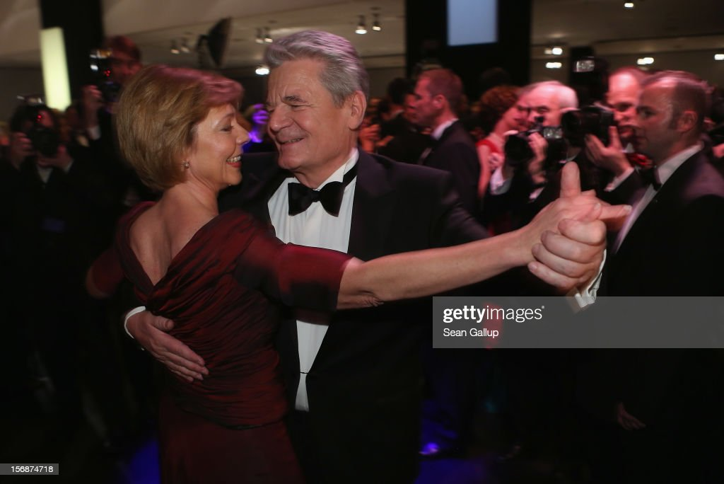 German President <a gi-track='captionPersonalityLinkClicked' href=/galleries/search?phrase=Joachim+Gauck&family=editorial&specificpeople=2077888 ng-click='$event.stopPropagation()'>Joachim Gauck</a> and his partner Daniela Schadt dance the opening waltz at the 2012 Bundespresseball (Federal Press Ball) at the Intercontinental Hotel on November 23, 2012 in Berlin, Germany.