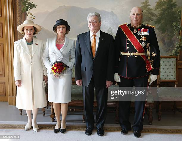 German president Joachim Gauck and his partner Daniela Schadt pose for a photo with thier hosts Norwegian Queen Sonja and Norwegian King Harald on...