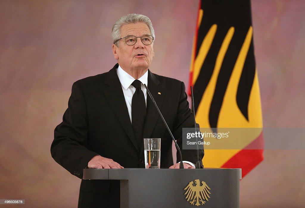 German Politicians React To Helmut Schmidt Death