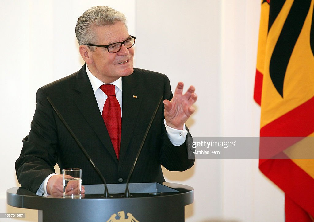 German President <a gi-track='captionPersonalityLinkClicked' href=/galleries/search?phrase=Joachim+Gauck&family=editorial&specificpeople=2077888 ng-click='$event.stopPropagation()'>Joachim Gauck</a> holds a speach during the 'Silbernes Lorbeerblatt Award Ceremony' at Schloss Bellevue on November 7, 2012 in Berlin, Germany.