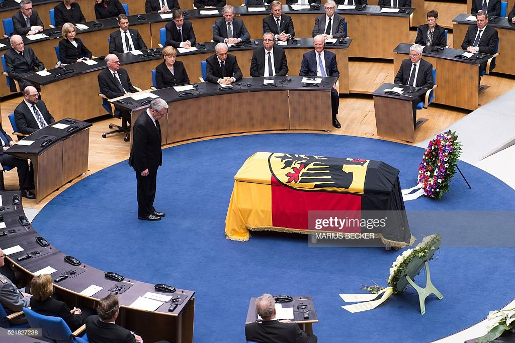 German President Joachim Gauck pays his respects during the state funeral for former German foreign Minister HansDietrich Genscher at the plenary...