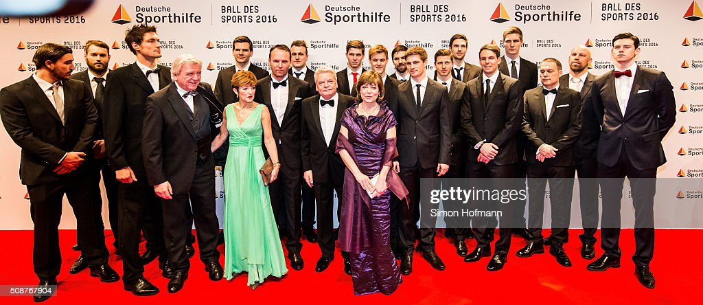 German President <a gi-track='captionPersonalityLinkClicked' href=/galleries/search?phrase=Joachim+Gauck&family=editorial&specificpeople=2077888 ng-click='$event.stopPropagation()'>Joachim Gauck</a> poses with the German Handball National Team prior to German Sports Gala 'Ball des Sports 2016' on February 6, 2016 in Wiesbaden, Germany.