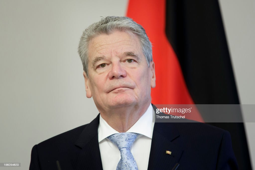 German President <a gi-track='captionPersonalityLinkClicked' href=/galleries/search?phrase=Joachim+Gauck&family=editorial&specificpeople=2077888 ng-click='$event.stopPropagation()'>Joachim Gauck</a> speak to the press on November 08, 2012.