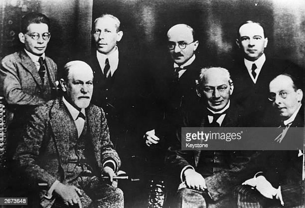 German psychoanalyst Sigmund Freud with his closest coworkers the 'Seven Rings Committee' Freud Ferenczi Sachs Rank Abraham Eitington