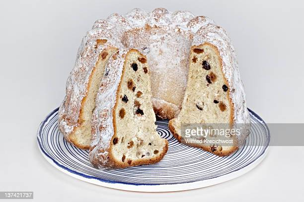 German ring cake, Gugelhupf with raisins