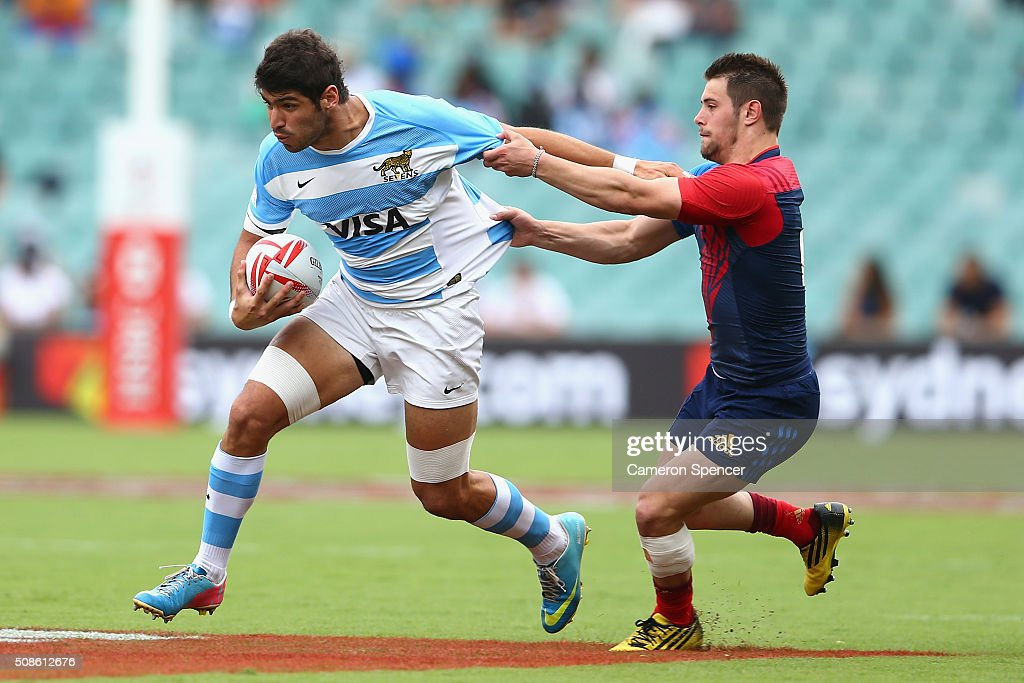 German Schulz of Argentina is tackled during the 2016 Sydney Sevens match between Argentina and France at Allianz Stadium on February 6, 2016 in Sydney, Australia.