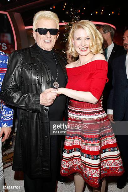 German singer Heino and US singer Sarah Jane Scott during the tv show 'Die schoensten Weihnachtshits' on November 30 2016 in Munich Germany