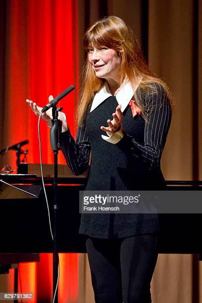 German singer Katja Ebstein performs live during a concert at the ErnstReuterSaal on December 4 2016 in Berlin Germany