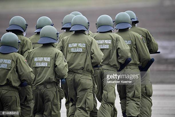 German soldiers of the Military Police participate in the 'Land Operations' military exercises during a media day at the Bundeswehr training grounds...