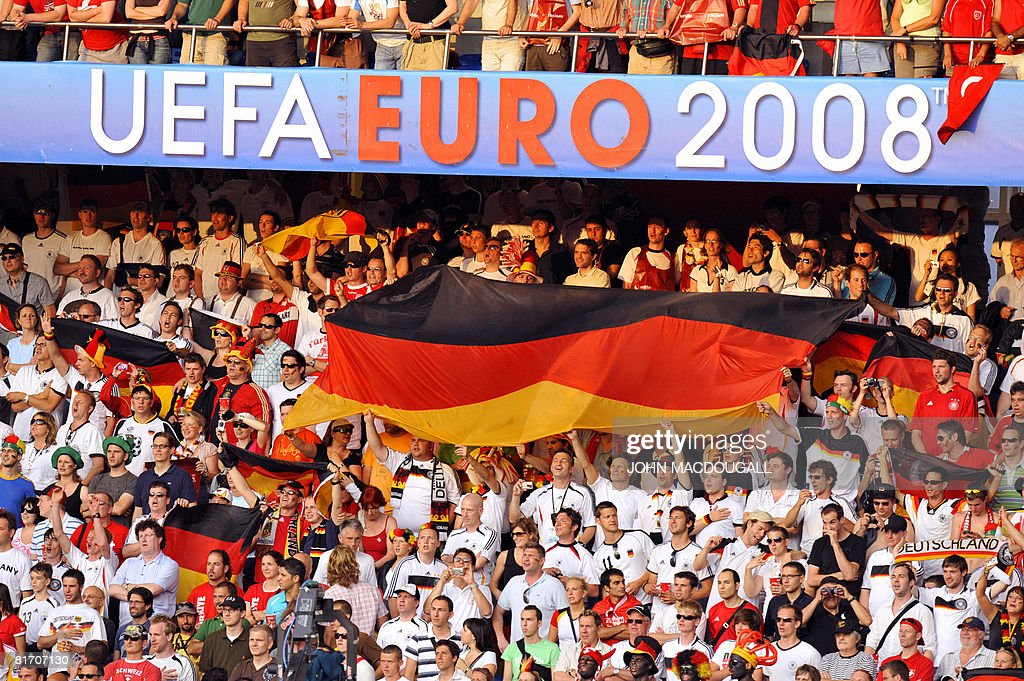 German supporters cheer prior to the kick off of the Euro 2008 championships semifinal football match Germany vs Turkey on June 25 2008 at St...