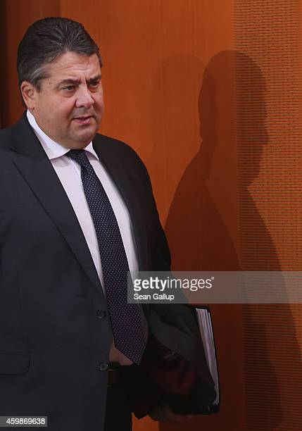 German Vice Chancellor and Economy and Energy Minister Sigmar Gabriel arrives for the weekly German government cabinet meeting on December 3 2014 in...