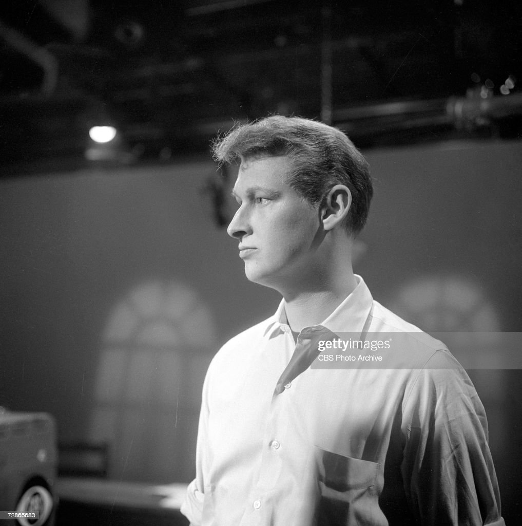 German-born American actor and director Mike Nichols (born Michael Igor Peschkowsky) in rehearsal the CBS television Playhouse 90 production of 'Journey to the Day,' March 30, 1960.