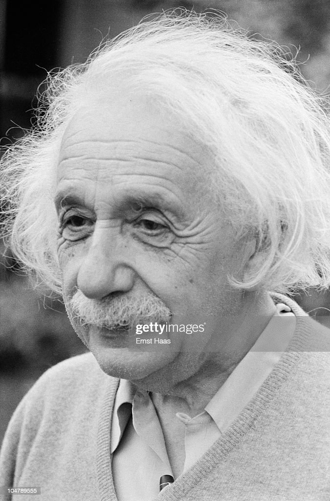 German-born American physicist Albert Einstein (1879 - 1955) outside his home in Princeton, New Jersey, where he is professor at the Institute for Advanced Studies, 1951.