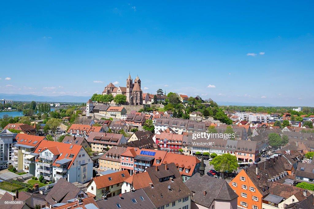 Germany, Baden-Wuerttemberg, Breisach, Old town, View to Breisach Minster