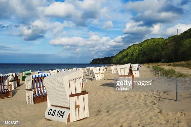 Deutschland Ostsee Göhren Beach mit typischen Stühle Sommer