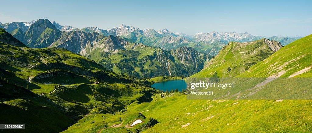 Germany, Bavaria, Allgaeu Alps, view from Zeigersattel to Seealpsee