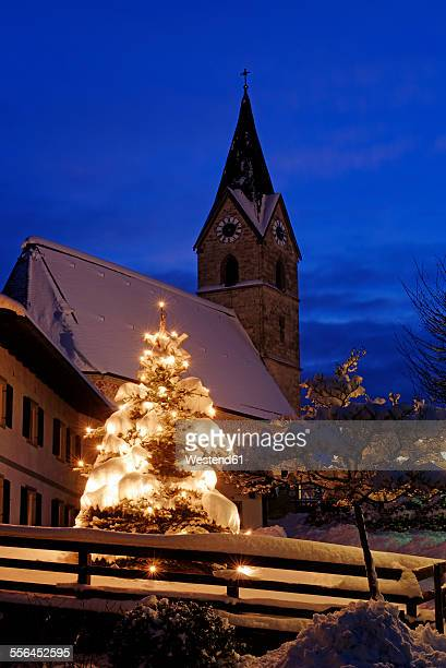 Germany, Bavaria, Chiemgau, Seebruck, snowy church