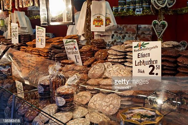 Germany, Bavaria, Franconia, Nuremberg, Gingerbread at christmas market stall
